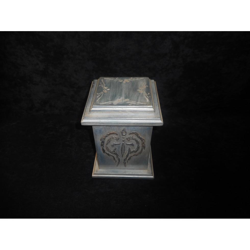 urne fun raire en bois finition antique. Black Bedroom Furniture Sets. Home Design Ideas